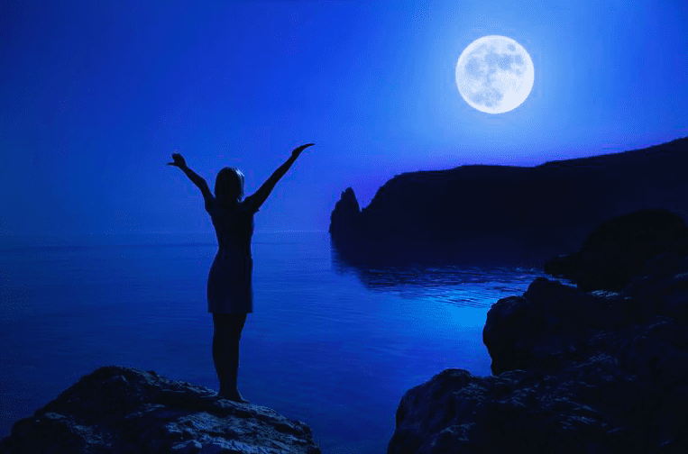 Friends with Benefits? This Gemini Full Moon Tells All